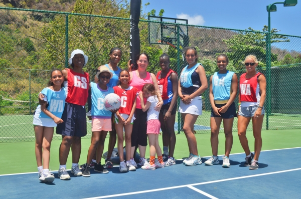 Sasha Corbin (4th from left) and Sam Bird (5th from left) with Resort guests at our Luxury Netball Camp 2014